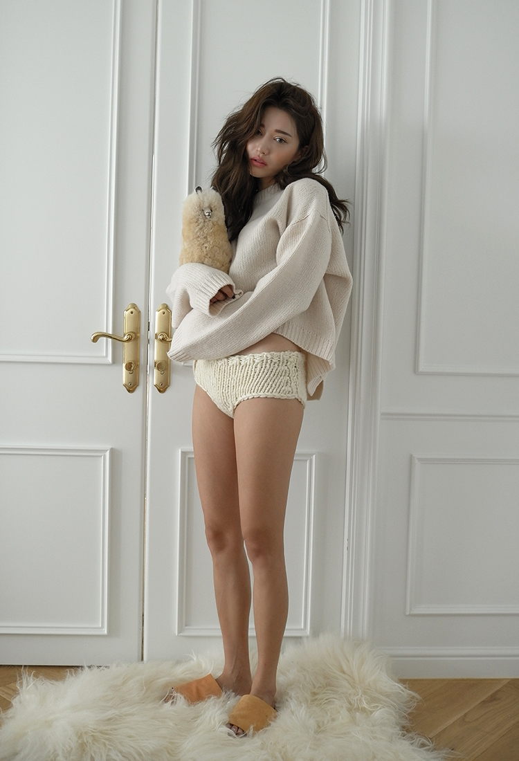[Sold Out] round wide wool knit/beige
